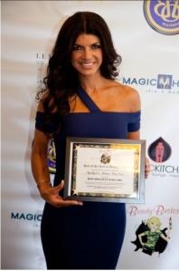 Teresa Giudice and her Beauty Buster Award. Photo credit: Lora Warnick. http://www.lorawarnick.com/